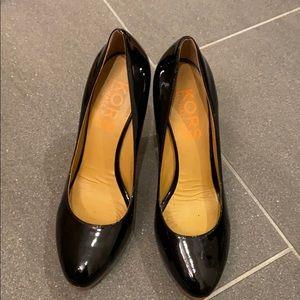Kors Michael Kors shiny black heels. Size 8 1/2